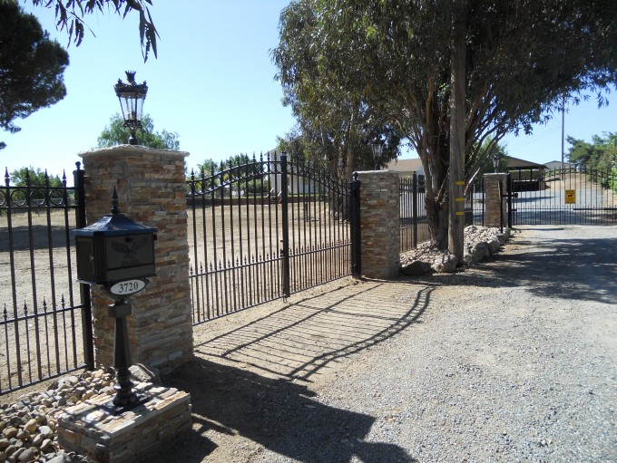 Concord Bi Parting Gate with Concord Fencing